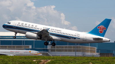 A picture of B9953 - Airbus A320232 - China Southern Airlines - © Aaron_ZSAM