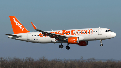 G-EZWY - Airbus A320-214 - easyJet