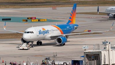 A picture of N257NV - Airbus A320214 - Allegiant Air - © Mark Lawrence