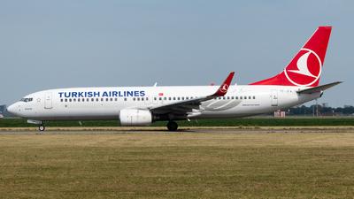 A picture of TCJFV - Boeing 7378F2 - Turkish Airlines - © Chris de Breun