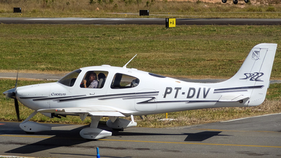 PT-DIV - Cirrus SR22 - Private