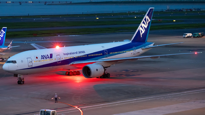 JA705A - Boeing 777-281 - All Nippon Airways (ANA)