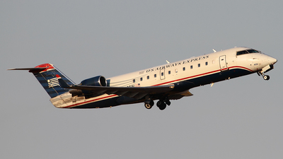 A picture of N409AW - Mitsubishi CRJ200LR - United Airlines - © Angel Natal