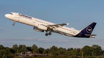 A picture of DAIDF - Airbus A321231 - Lufthansa - © vwmatze