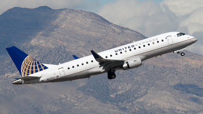 A picture of N127SY - Embraer E175LR - United Airlines - © BaszB