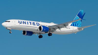 N37527 - Boeing 737-9 MAX - United Airlines