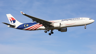 A picture of 9MMTL - Airbus A330323 - Malaysia Airlines - © Victor Pody