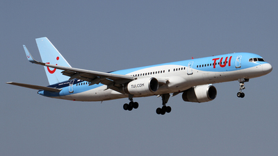 A picture of GOOBB - Boeing 75728A - TUI fly - © Alfonso Solis