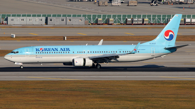 HL8221 - Boeing 737-9B5ER - Korean Air