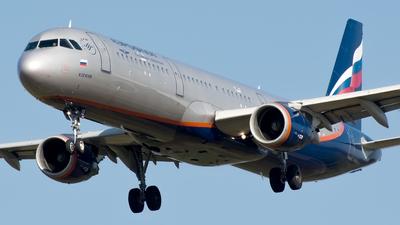 VQ-BEE - Airbus A321-211 - Aeroflot