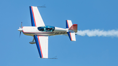OH-SIO - Extra 300L - Finnish Aviation Academy