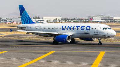 A picture of N412UA - Airbus A320232 - United Airlines - © Arturo Quintero