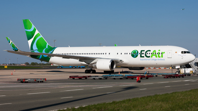 HB-JJF - Boeing 767-316(ER) - ECAir - Equatorial Congo Airlines (PrivatAir)
