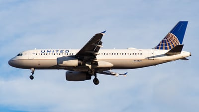 A picture of N434UA - Airbus A320232 - United Airlines - © Devon McCune