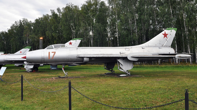 17 - Sukhoi Su-7B Fitter A - Soviet Union - Air Force
