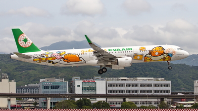 A picture of B16205 - Airbus A321211 - EVA Air - © TY-CHEN