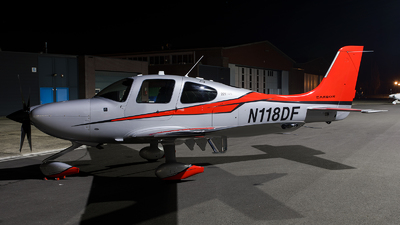 N118DF - Cirrus SR22T-GTS G5 Carbon - Private