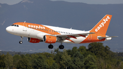 A picture of HBJYH - Airbus A319111 - easyJet - © Dranob