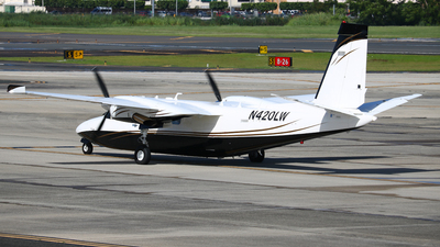 A picture of N420LW - Rockwell 690B - [11455] - © Angel Natal