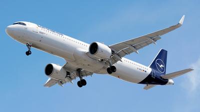 A picture of DAIEG - Airbus A321271NX - Lufthansa - © Eduardo Paixao Silva