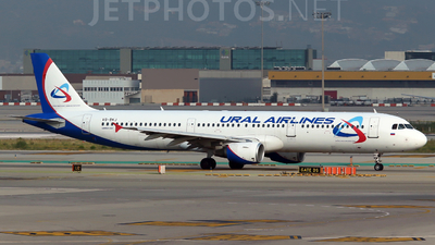 VQ-BKJ - Airbus A321-211 - Ural Airlines