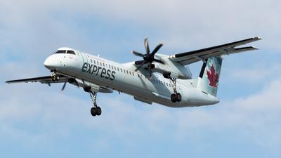 A picture of CFSRN - De Havilland Canada Dash 8400 - Air Canada - © Andrew Wu