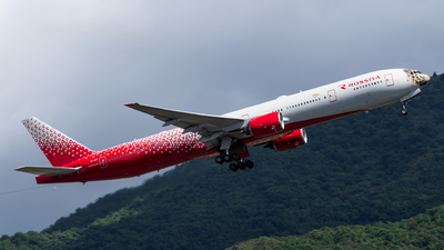A picture of EIUNP - Boeing 777312 - Rossiya - © Adrian Tong