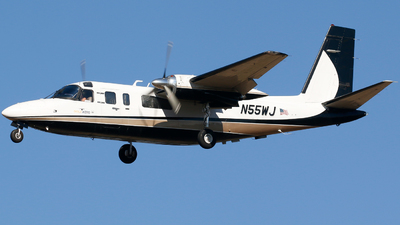 N55WJ - Rockwell 690B Turbo Commander - Gold Aero