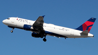 A picture of N326US - Airbus A320211 - Delta Air Lines - © J.R.Quiñonez