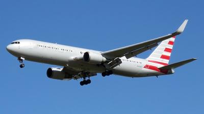 N382AN - Boeing 767-323(ER) - Untitled