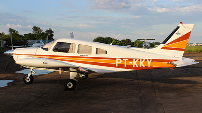 PT-KKY - Piper PA-28-235 Cherokee Pathfinder - Private