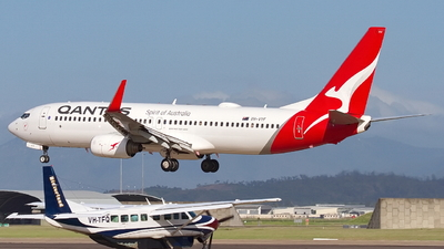 A picture of VHVYF - Boeing 737838 - Qantas - © Dave Parer