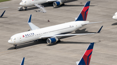 A picture of N1602 - Boeing 767332(ER) - Delta Air Lines - © Erik Goodfellow