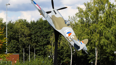 H-15 - Supermarine Spitfire Mk.IX - Netherlands - Royal Air Force