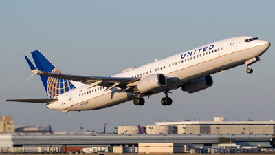 A picture of N37427 - Boeing 737924(ER) - United Airlines - © Positive Rate Photography