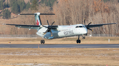 C-GKUK - Bombardier Dash 8-Q402 - Air Canada Express (Jazz Aviation)