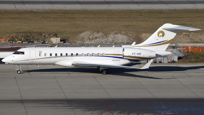 VT-AHI - Bombardier BD-700-1A10 Global 6000 - Private