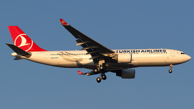 TC-LOI - Airbus A330-223 - Turkish Airlines