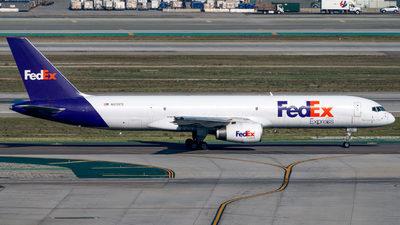A picture of N970FD - Boeing 75728A(SF) - FedEx - © Garey T. Martin