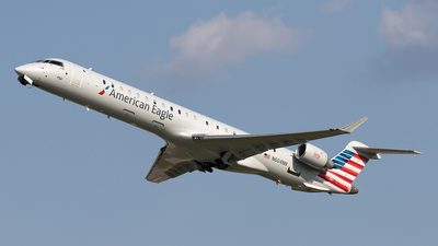 A picture of N604NN - Mitsubishi CRJ900LR - American Airlines - © Yixin Chen
