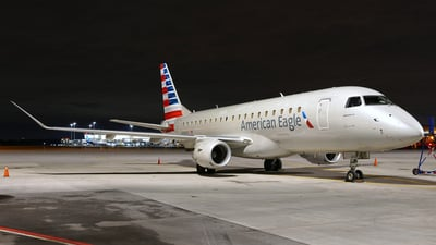A picture of N414YX - Embraer E175LR - American Airlines - © Craig L Baldwin