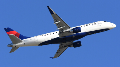 N284SY - Embraer 170-200LR - Delta Connection (SkyWest Airlines)