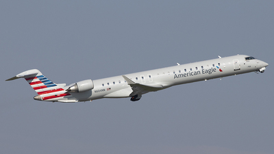 A picture of N604NN - Mitsubishi CRJ900LR - American Airlines - © Andrew Pries