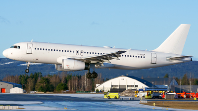 A picture of YLLCP - Airbus A320232 - SmartLynx - © Laszlo Fekete