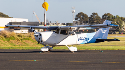 A picture of VHEWF - Cessna 172S Skyhawk SP - [172S11411] - © Colin Green