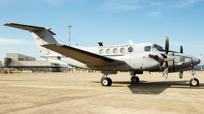 94-00317 - Beechcraft C-12V Huron - United States - US Army