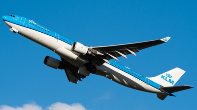 A picture of PHAKB - Airbus A330303 - KLM - © Wilko Doodhagen