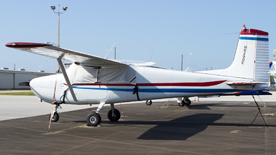 A picture of N6290E - Cessna 172 Skyhawk - [46390] - © Jeremy D. Dando