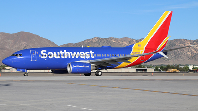 A picture of N964WN - Boeing 7377H4 - Southwest Airlines - © Nate Morin