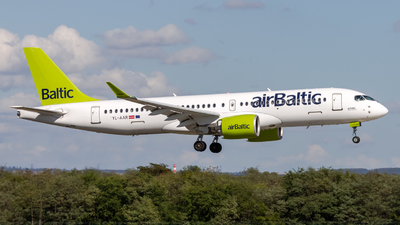 YL-AAR - Airbus A220-371 - Air Baltic